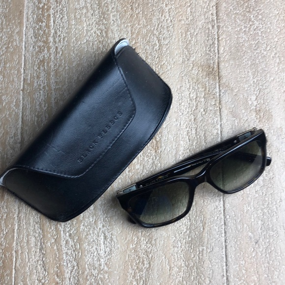 c2eb59194f5a Brooks Brothers Accessories | Euc Black Fleece Wayfarers | Poshmark